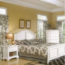 Great Deals On Bedroom Sets Best 25 Traditional Panel Beds Ideas On Pinterest Things That