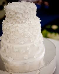 budget wedding cakes wedding cake icing decorations diy wedding cake icing on a