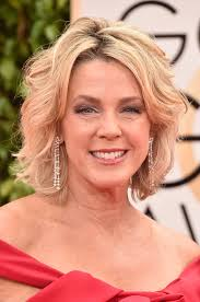 inside edition hairstyles deborah norville short wavy cut short hairstyles lookbook
