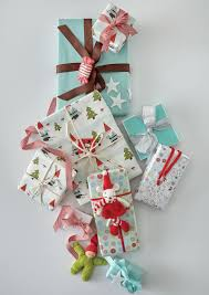 The Craft Department U0027s Favorite Holiday Projects Martha Stewart 100 Wrapping Small Gifts Christmas Gift Wrapping