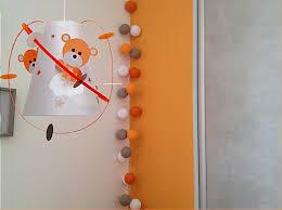 chambre bebe orange décoration chambre bébé ourson luminaire enfant le casse noisette