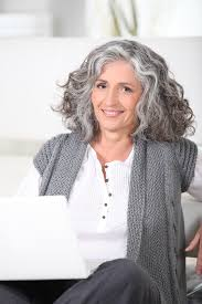 transitioning to gray hair with lowlights how to grow out grey hair gracefully letting grey hair grow out
