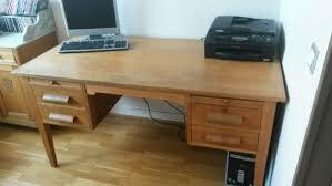 recyclage objet récupe objet donne bureau en bois massif à