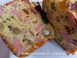 cuisiner des saucisses de strasbourg recette cake salé aux saucisses de strasbourg et courgettes 750g