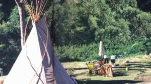 wendy matthews introduction and tells us about your teepee on vimeo