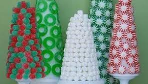 Christmas Candy Craft - old fashion peppermint stick christmas wreath tutorial crafts u0027n