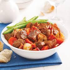cuisiner le boeuf bourguignon bœuf bourguignon à la mijoteuse recettes cuisine et nutrition