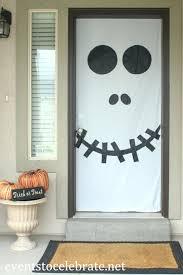 simple halloween door decorations divascuisine com