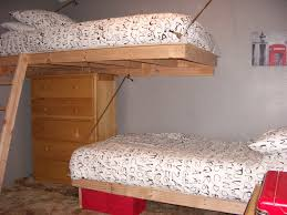 Loft Bed Hanging From Ceiling by Remarkable Suspendeddroomds For Plans Floating Bunk Diy Ideas Low