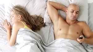 7 tanda suami anda berfantasi tentang wanita lain lifestyle
