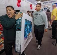 black friday sale tv flat screen brawls erupt in stores open on thanksgiving ny daily news