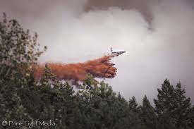 Wildfire Fighting Canada by Photos Fighting A Wildfire From Above Kelowna Capital News