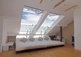 Wohnzimmer Und Schlafzimmer Kombinieren Wohnzimmer U0027chillen Unterm Dach U0027 Dachboden Ausbau Pinterest