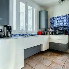 credence adhesive pour cuisine cuisine avec credence awesome idee deco salle de bain noir et