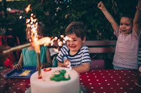 A Birthday Cake Throw A Memorable Birthday Party Without Breaking The Bank Zing