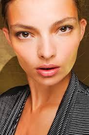 Schlafzimmerblick Frau Model Makel Alles Andere Als Perfekt Glamour