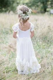 flower girl hair 33 chic and summer wedding flower girl looks weddingomania