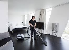 nettoyage chambre hotel comment nettoyer une chambre d hotel nilfisk aspirateur poussiere
