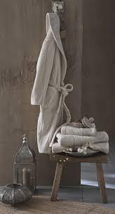 serviette de toilette bio les 25 meilleures idées de la catégorie peignoir eponge sur
