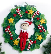 bucilla the on the shelf felt wreath kit 86510