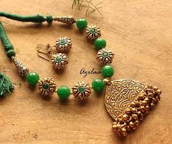 gold antique necklace sets images Green gemstone jewellery set antique gold necklace set at 3950 jpg