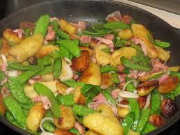 cuisiner des pois mange tout poêlée repas pois mange tout et rattes du jardin moutarde et