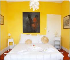la chambre jaune antibes la chambre jaune location 2 personnes côte d azur