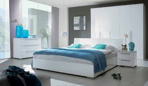 chambre a coucher blanc laque brillant chambre blanc laque design idées de décoration capreol us