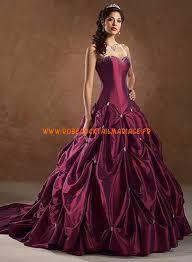 robe de mariã e en couleur robe ballon couleur raisin perles traîne cathédrale satin dentelle