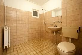 braune badezimmer fliesen badezimmer neu gestalten alt zu neu in 4 schritten