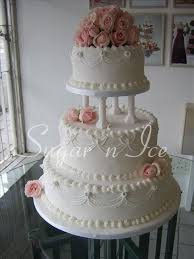 classic wedding cakes best 25 traditional wedding cakes ideas on beautiful