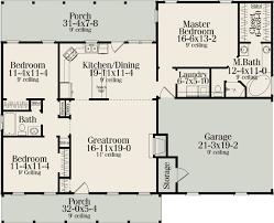 split bedroom floor plan cool idea ranch house plans with split bedrooms 3 plan 62099v
