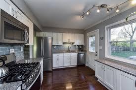 zurich white kitchen cabinets 760 white birch ln lake zurich il 60047 realtor