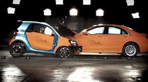 si e auto crash test smart fortwo vs s class crash test