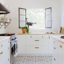 best true white for kitchen cabinets 3 designers outdated kitchen trends to retire