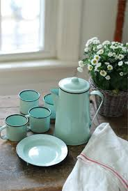 Turquoise Kitchen Decor by Best 25 Vintage Enamelware Ideas On Pinterest Vintage Kitchen