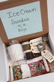 christmas gift box ideas 20 ideas to choose a great gift for your best friend pretty designs