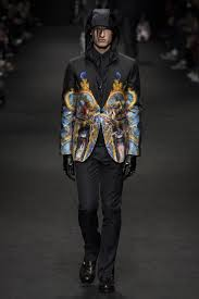 Made To Measure Aw 40 Best Fall 2017 Menswear Versace Images On Pinterest Fashion