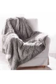 plaid gris canapé plaid de canapé pas cher plaid polaire fourrure