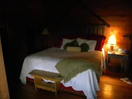 escape from the bedroom bedroom at night super comfortable bed picture of eagle creek