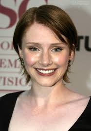 hair that flips in the back bryce dallas howard short hairstyle with the sides behind the