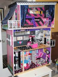 Big Barbie Dollhouse Tour Youtube by Monster High House My Niece Would Love This Kid Fun