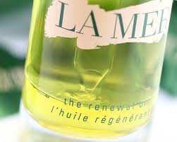 la mer the renewal oil review u0026 swatches