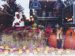 projects autumn window display for le dolci singhnature