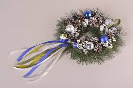 MADEHEART  Christmas Lovely Wreath Handmade Cute Door Decor - Designer home accessories