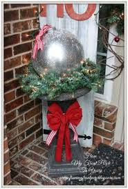 Extra Large Outside Christmas Decorations by Straw Bale Diy Repurpose Decorating And Autumn