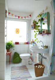 Decorate Small Bathrooms Decorating Small Bathrooms Big Time