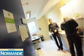 bureau logement militaire marseille rouen ils habitent dans des immeubles de bureaux camelot europe
