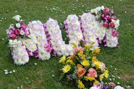 graveside flowers graveside flowers and pictures at some cemeteries could be removed