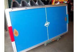 used coin operated air hockey table air hockey table coin op dynamo blue top item is in used condition